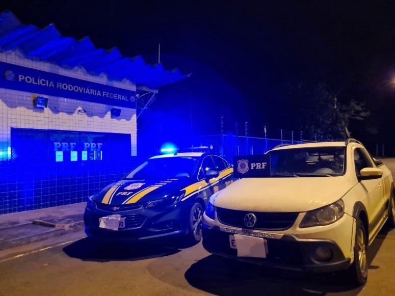 Polícia Rodoviária Federal recupera veículo roubado em 2014