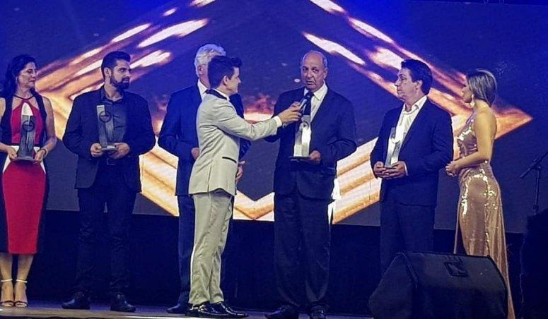 José Eustáquio é homenageado como prefeito destaque