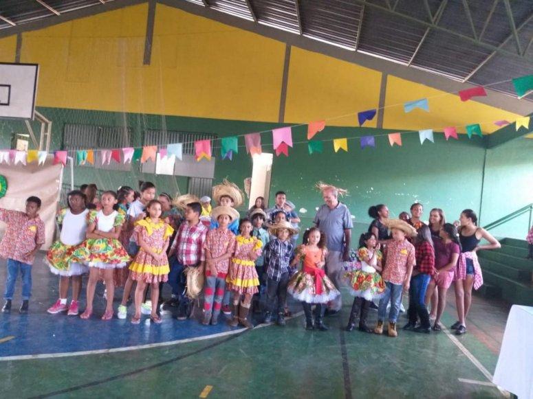 Festa Junina dos Pequenos é realizada pelo Projeto Viva Cristavo