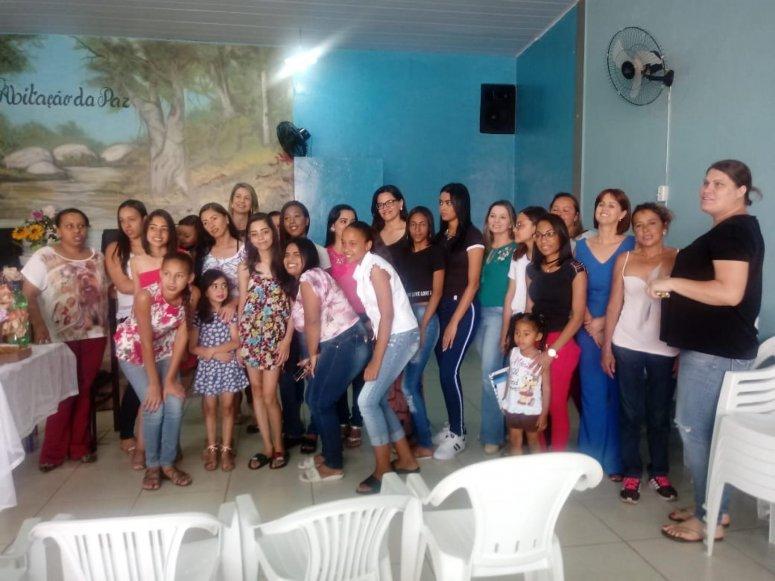 Participantes de cursos sociais do bairro Coração Eucarístico recebem certificados em solenidade de formatura