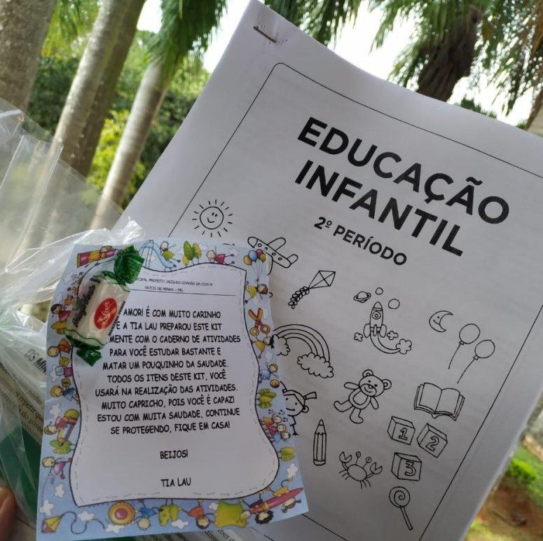 Alunos das escolas municipais recebem Cadernos de Atividades