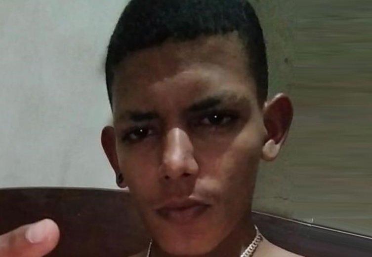 Jovem de 18 anos é morto com pelo menos sete tiros em Paracatu