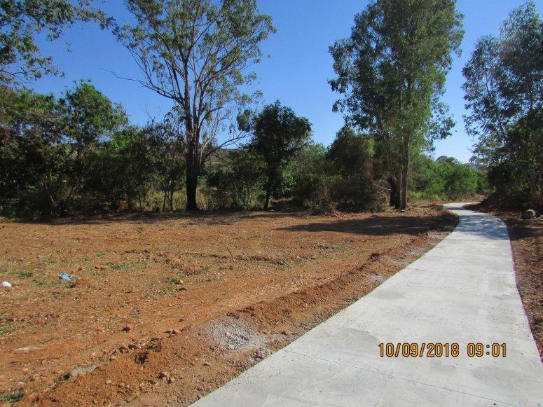 Calçadas e cercamento do Parque Ecológico Rio Paranaíba começam a ser construídos em Patos de Minas