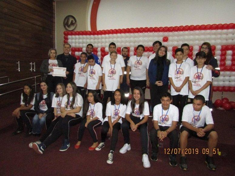 Prefeitura realiza formatura de 90 alunos do Projeto Samuzinho