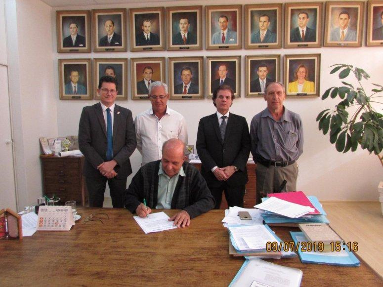 Processo licitatório para duplicação da Avenida Marabá foi assinado