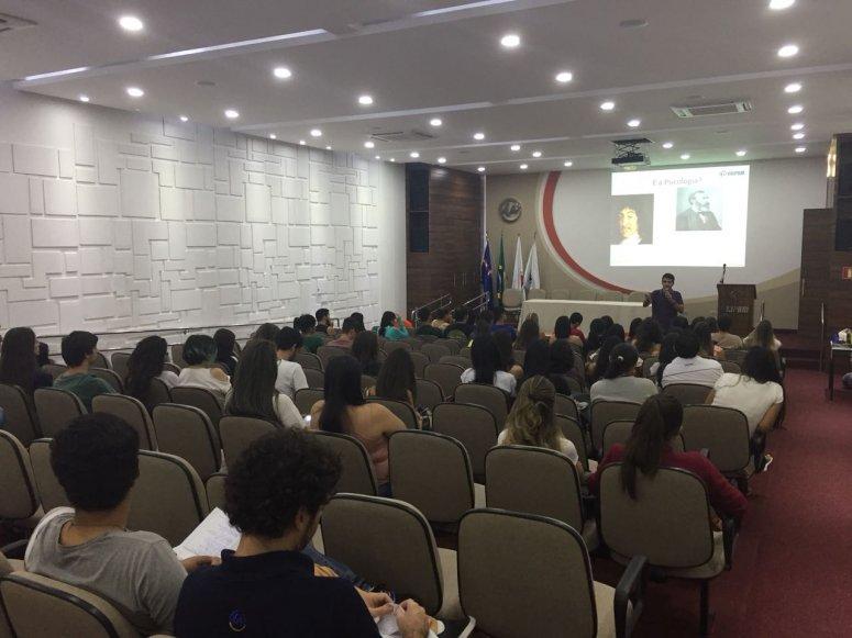 Coordenação de Psicologia promove recepção para calouros do curso