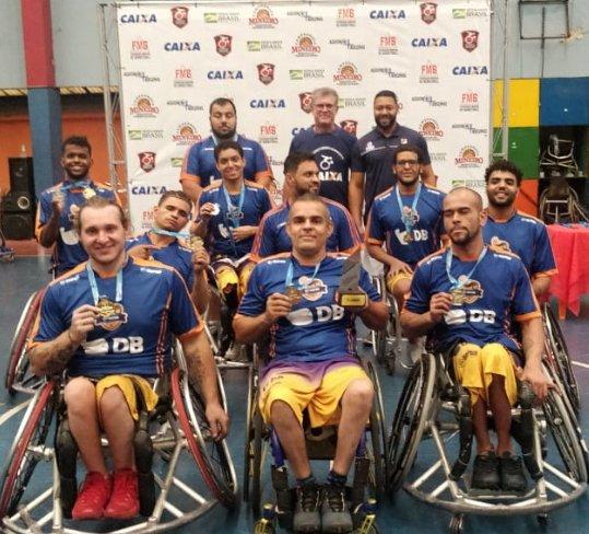 Equipe APP/UNIPAM/DB de Basquete em Cadeiras de Rodas é campeã mineira 2019