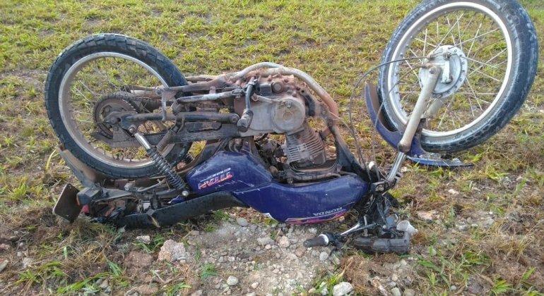 Motoqueiro morre em acidente no trevo da BR-146, em Serra do Salitre