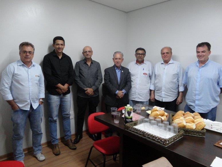 Panattos recebe visita da FIEMG e Sindicatos