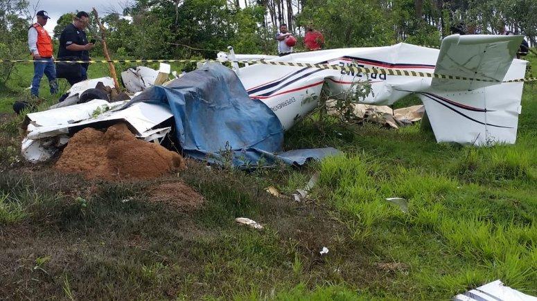 Aeronave cai em Patos de Minas; bombeiros confirmam mortes