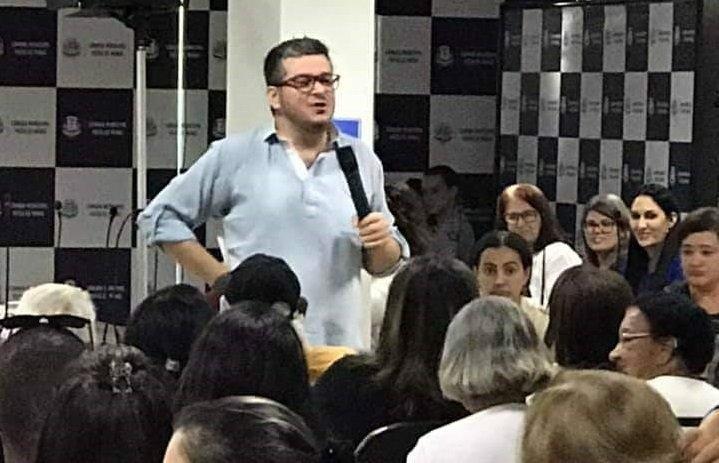 Professor do UNIPAM ministra palestra em Conferência Municipal