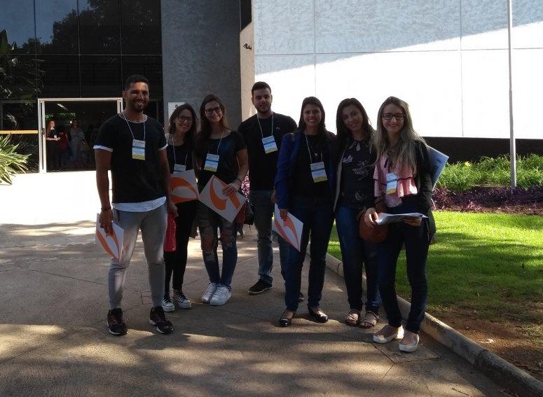 Alunos e professora do curso de Nutrição participam de Simpósio em Belo Horizonte