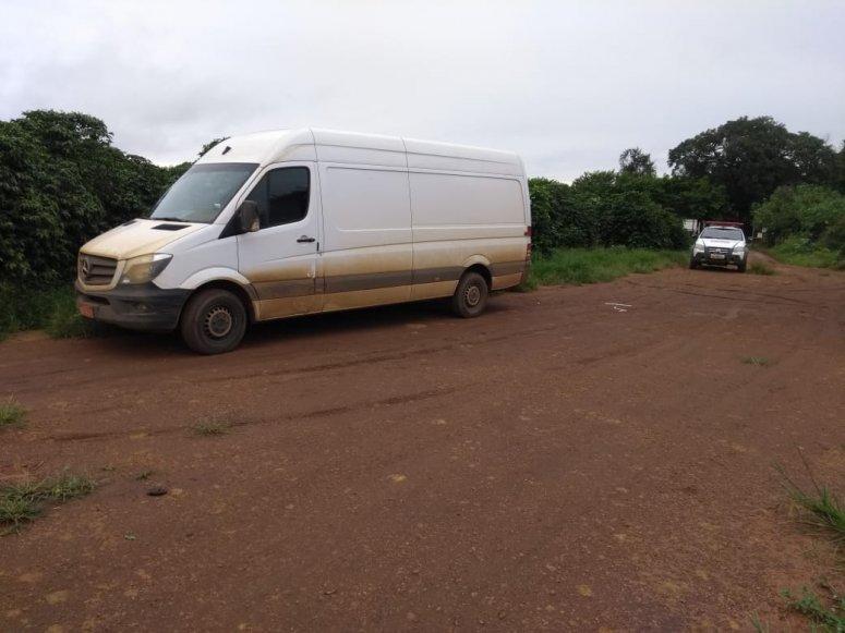 Ladrões abordam veículo e espancam motorista para cometer assalto em Carmo do Paranaíba