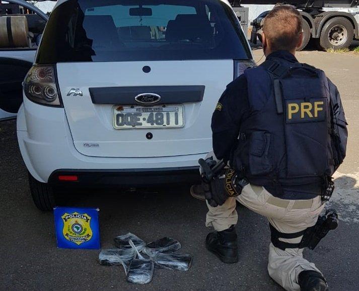 PRF apreende veículo transportando 5kg de crack em Patos de Minas; veja vídeo