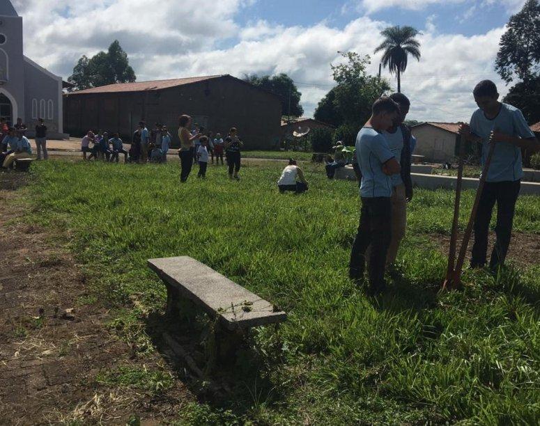Prefeitura realiza plantio de mudas em Bom Sucesso