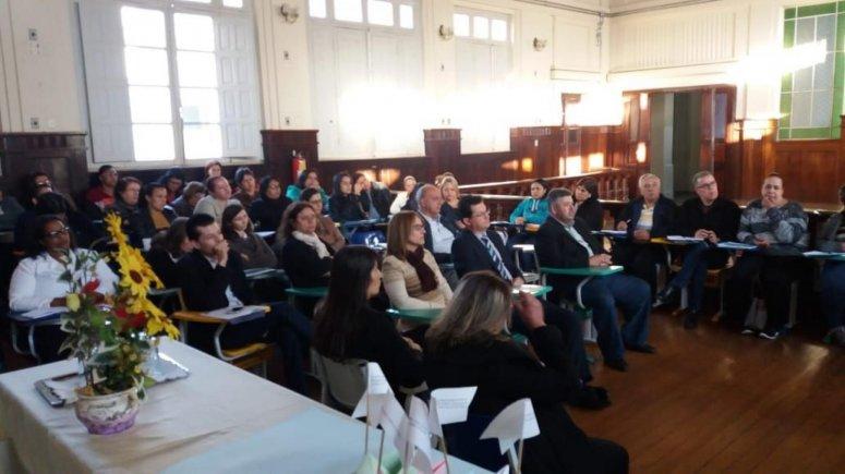 Professores (R2) e supervisores da rede municipal de ensino participam de capacitação do Projeto MPT na Escola