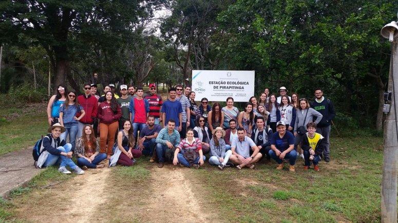 Alunos de Ciências Biológicas e Medicina Veterinária visitam Estação Ecológica de Pirapitinga