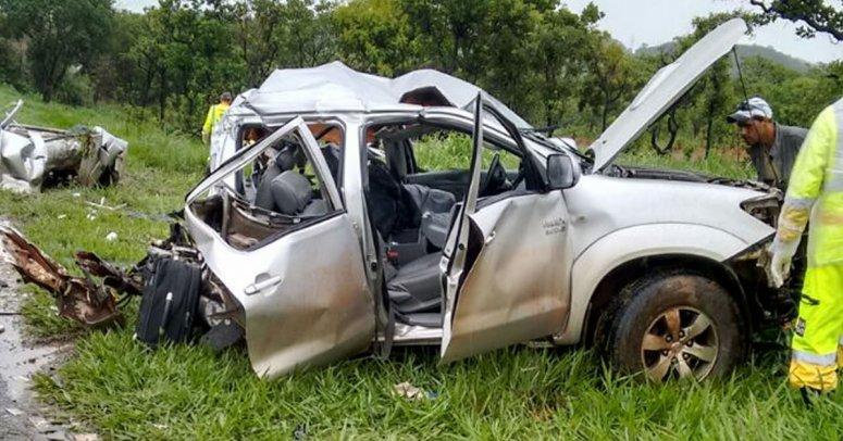 Grave acidente na BR-040 mata uma pessoa e fere outra em João Pinheiro