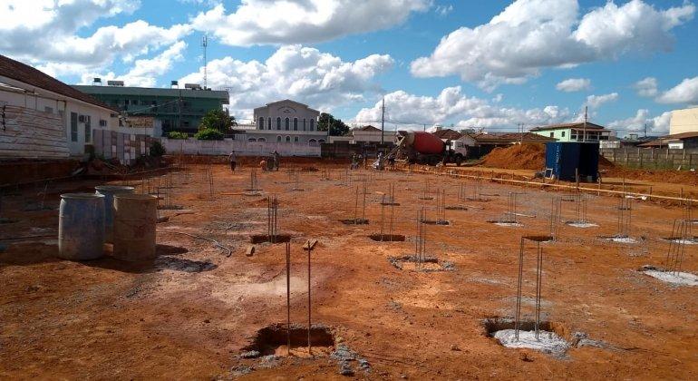 Prefeitura de Lagoa Formosa inicia construção do novo hospital municipal