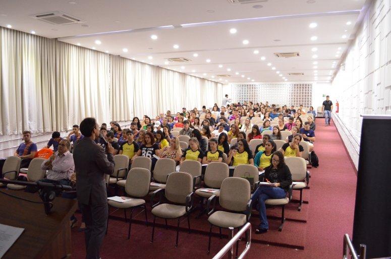 Vendas 4.0 foi tema de palestra no UNIPAM