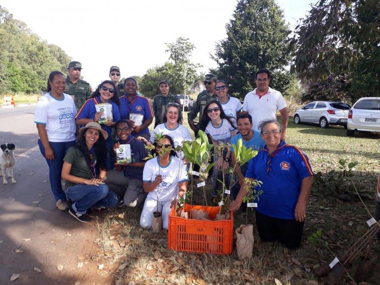 Prefeitura realiza Blitz Educativa na MGT 354 durante Semana Municipal do Meio Ambiente
