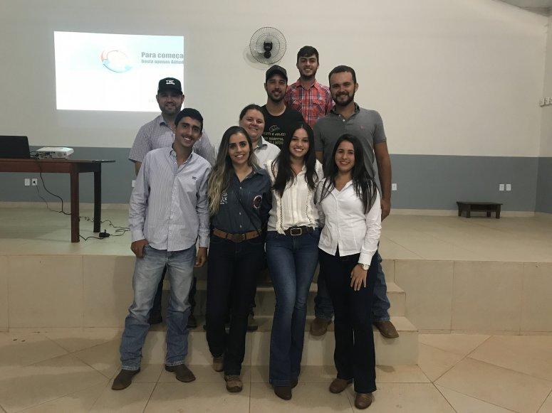 Alunos do curso de Medicina Veterinária do Unipam apresentam Projeto Integrador para pecuaristas carmenses