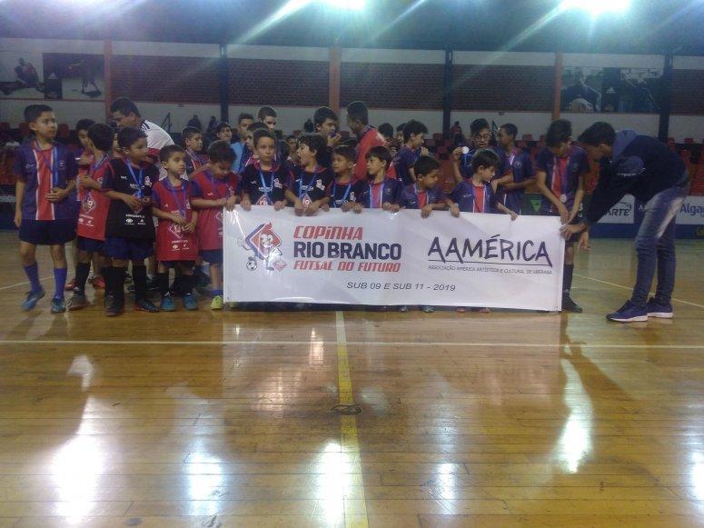 Programa Esporte no Bairro: ações que contribuem para a formação de crianças e adolescentes