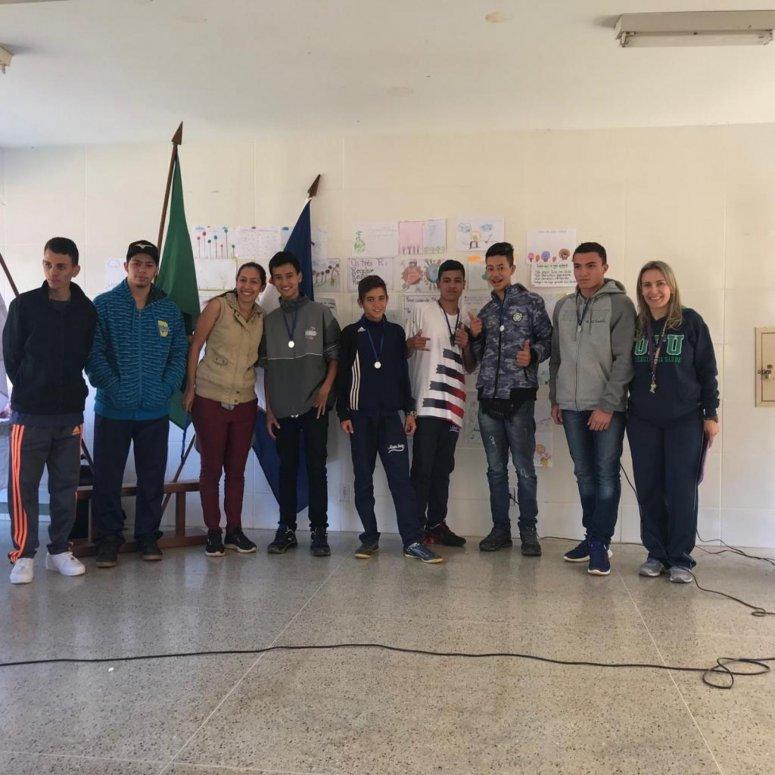 Escola Maria Inez promove entre seus alunos concurso de paródias e torneio interclasse