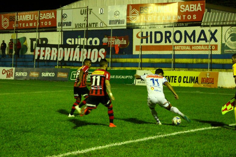 Kaio Wilker marca gol para URT e garante vitória contra Ituano