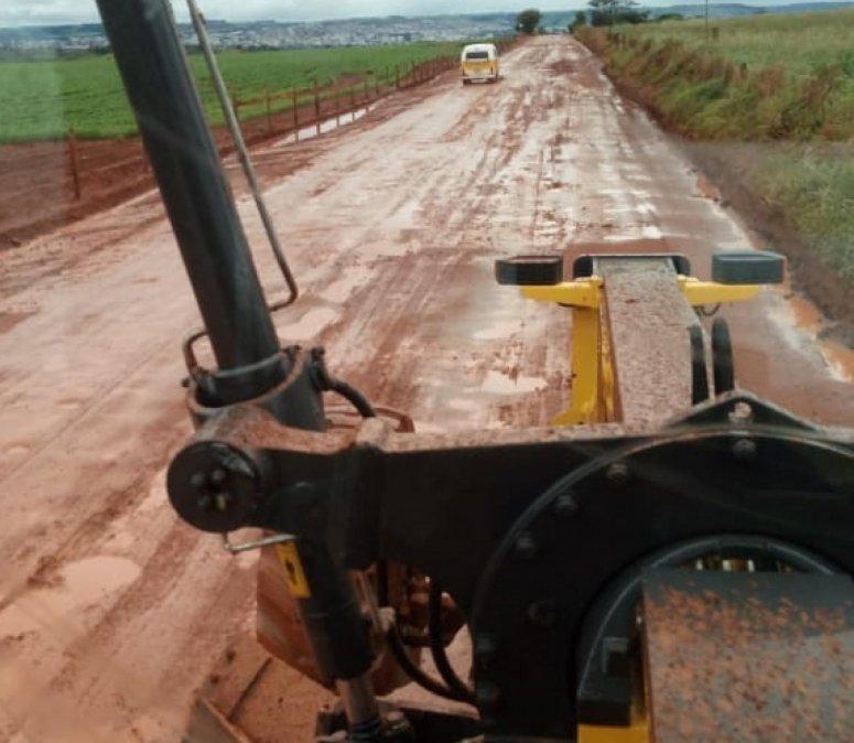 Secretaria de Agricultura realiza manutenção e recuperação de estradas rurais