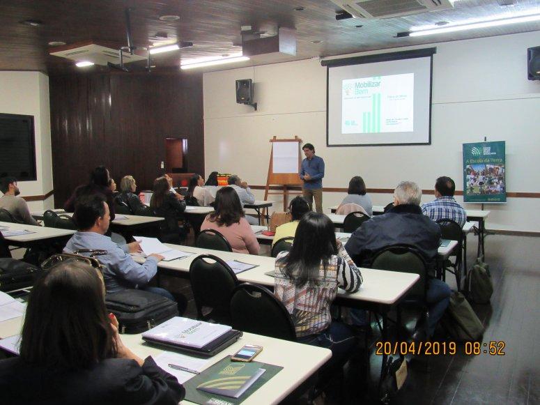 Programa Mobilizar Bem é apresentado a mobilizadores em Patos de Minas