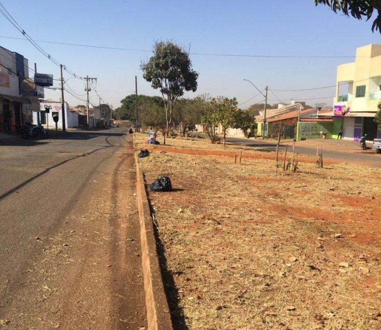 Programa 'Meu Bairro Limpo, Minha Cidade Limpa' começa serviços no Bairro Coração Eucarístico