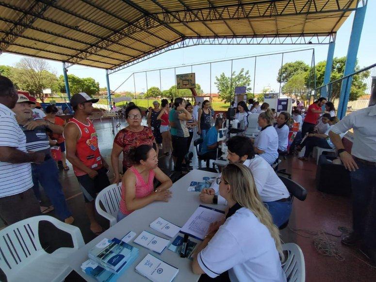 Saúde na Praça: diversas pessoas participam da primeira edição do projeto