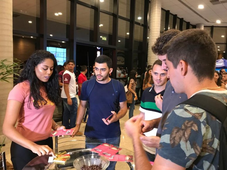 Empresa incubada, Mago Chocolates, lança produtos durante COMINE