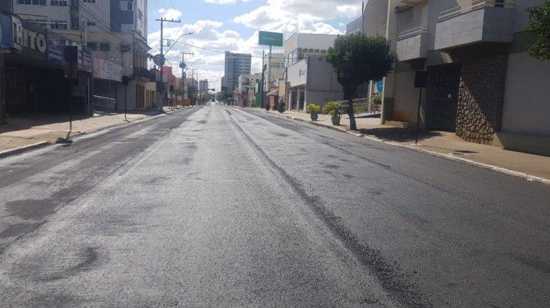 Doutor Marcolino e outras ruas centrais e de bairros são restauradas por meio do microrrevestimento