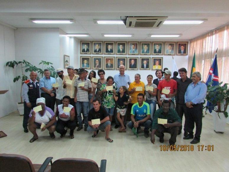 Prefeitura entrega mais 16 novas casas do Bairro Jardim Esperança IV