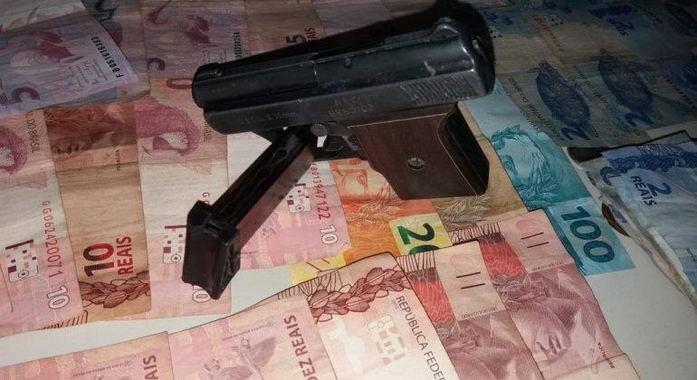 Bandidos armados invadem supermercado em Lagoa Formosa e cometem assalto