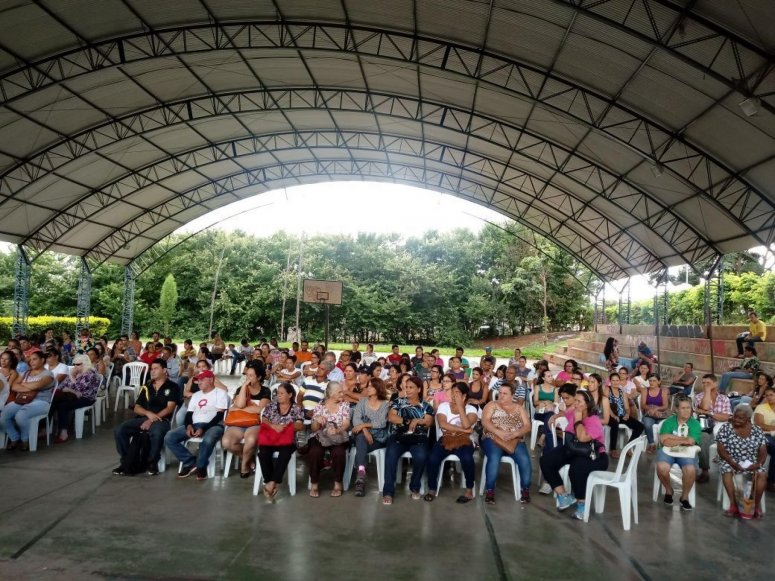Encontro com futuros moradores do bairro Residencial Pizolato foi realizado nessa quinta-feira