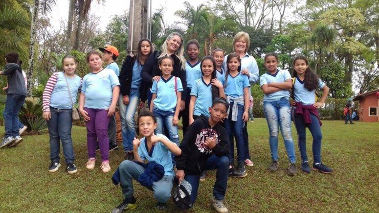 Escola Municipal Gino André Barbosa realiza Dia de Campo sobre revitalização de nascente