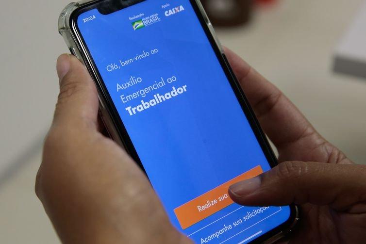 Caixa credita auxílio emergencial para 4 milhões de nascidos em agosto