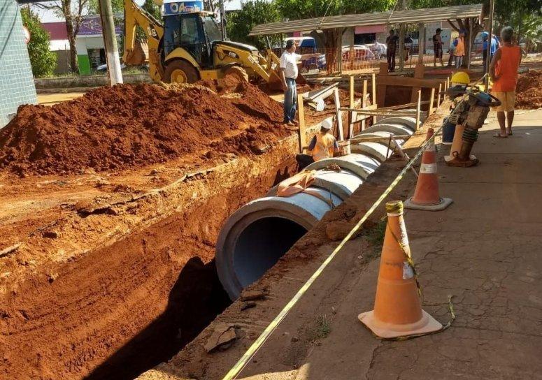 Obra de canalização pluvial e drenagem da bacia do córrego Água Limpa foi iniciada nessa segunda-feira