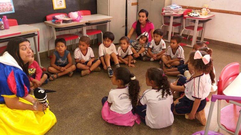 Ações educativas voltadas para o combate à dengue continuam sendo realizadas no município