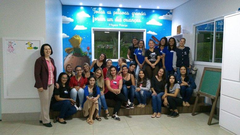 Alunas do curso de Pedagogia visitam brinquedoteca do Caiçaras Country Clube