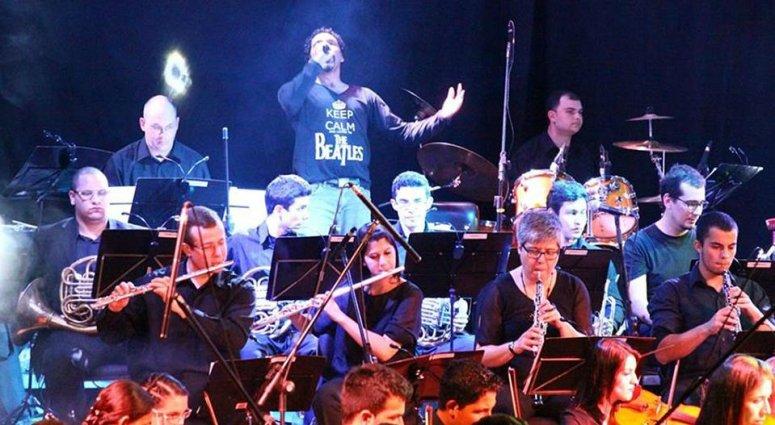Cantor patense brilha como intérprete em projeto que misturou o erudito ao rock