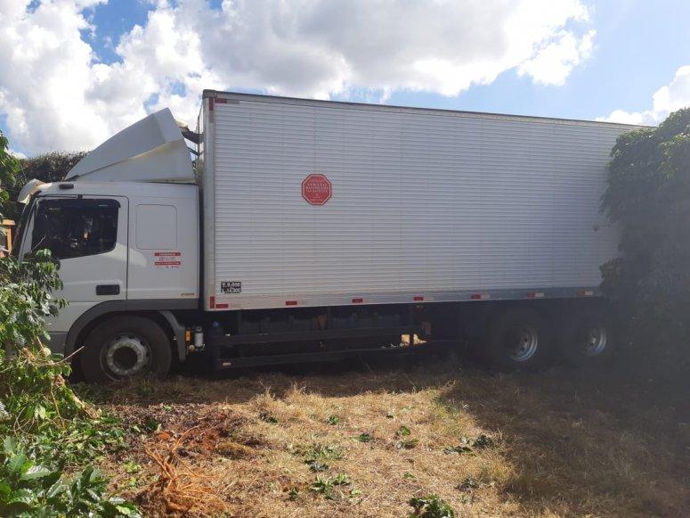 PRF recupera veículo roubado; motorista é mantido sob poder de bandidos
