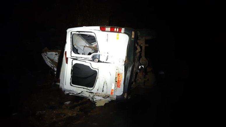 12 pessoas morrem em grave acidente na BR-365