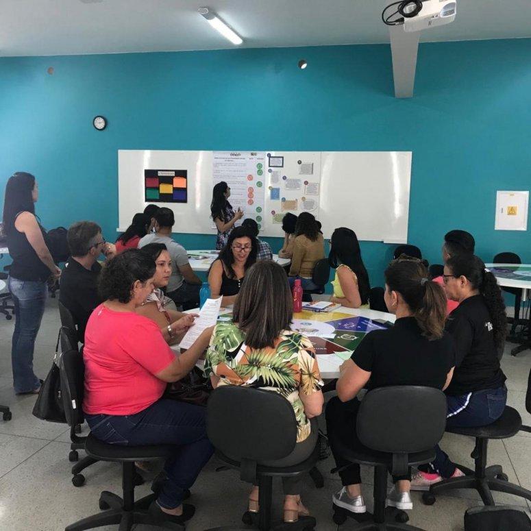 Secretaria de Educação promove encontros de formação para professores da rede municipal