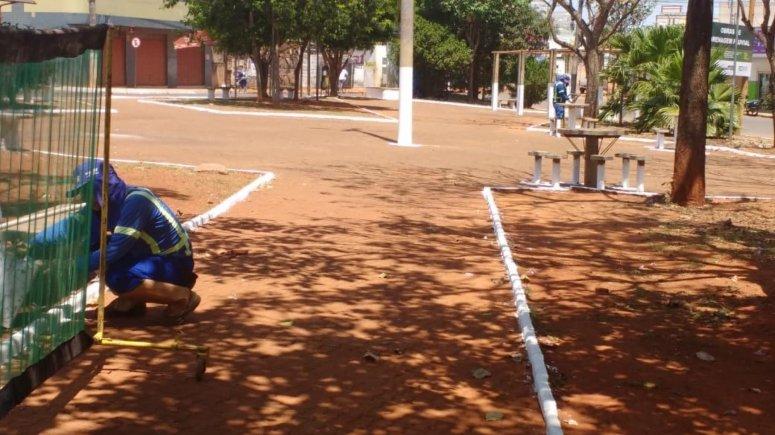 Secretaria de Obras realiza limpeza e conservação de locais públicos em vários pontos da cidade