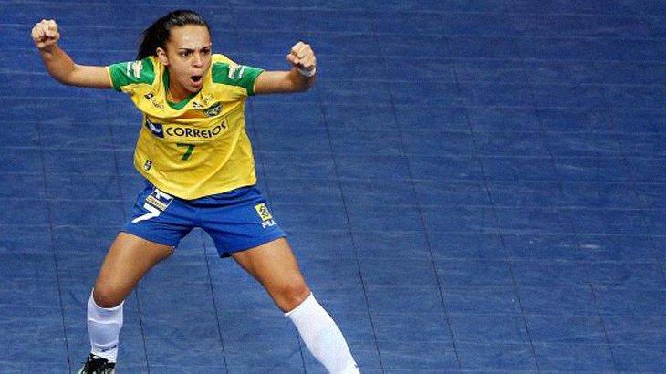 7c337f146f Atleta patense é eleita a 3ª melhor do mundo no futsal feminino. A patense  Vanessa Pereira foi ...
