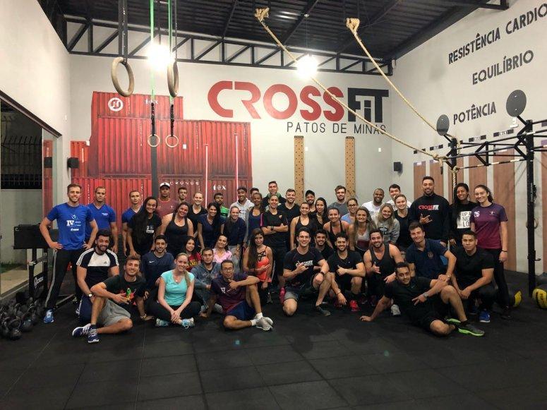 Alunos de Educação Física visitam CrossFit Patos de Minas